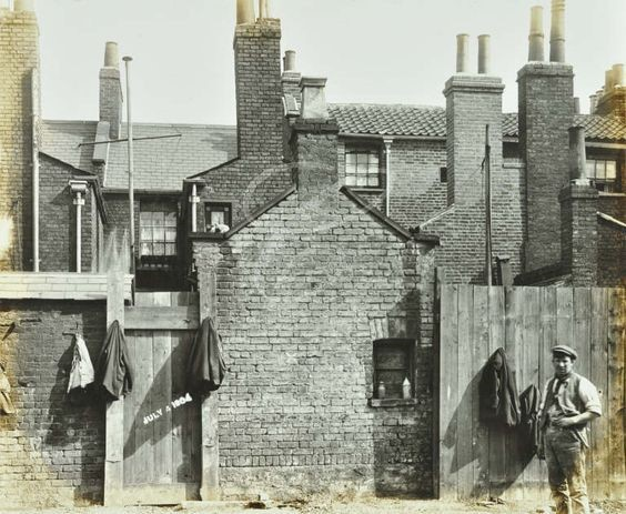 Albion Street, Rotherhithe, 1904.jpg