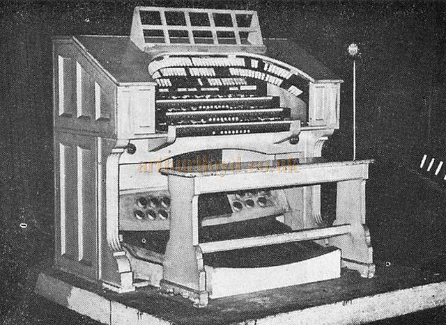 The stage console of the Compton dual-console organ of the Astoria Cinema Old Kent Road.jpg