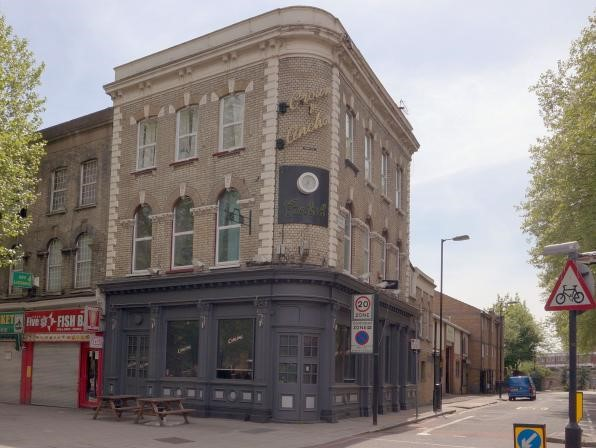 CROWN & ANCHOR, NEW KENT ROAD..jpg