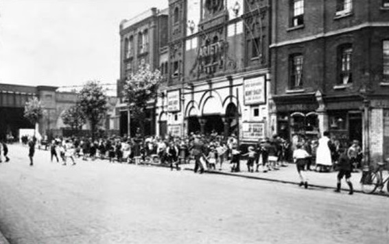 Star Cinema Abbey Street 1937.jpg