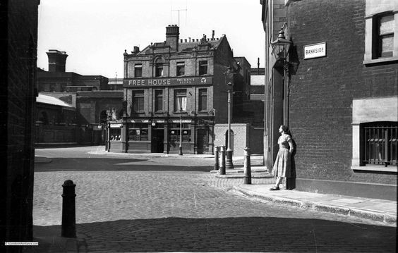 The Founders Arms 1950.jpg