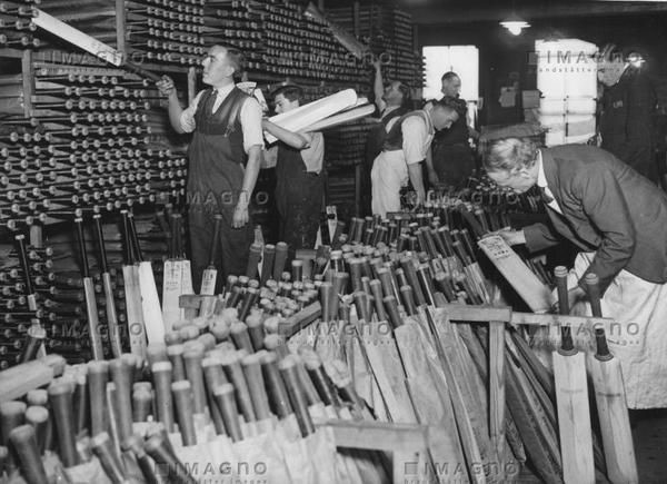 Cricket bat manufacturer Stuart Surridge in the Borough High Street, Southwark.jpg