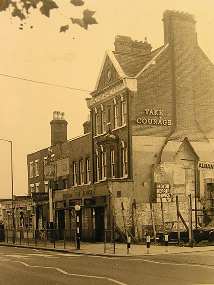 WILLIAM IV PUB ALBANY ROAD. 1848-1975..jpg
