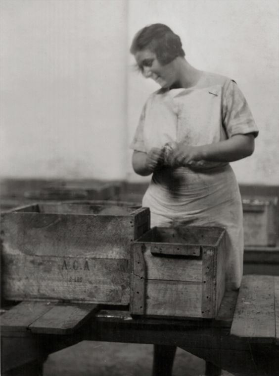 Worker, Hartley's Jam Factory, 1928.jpg