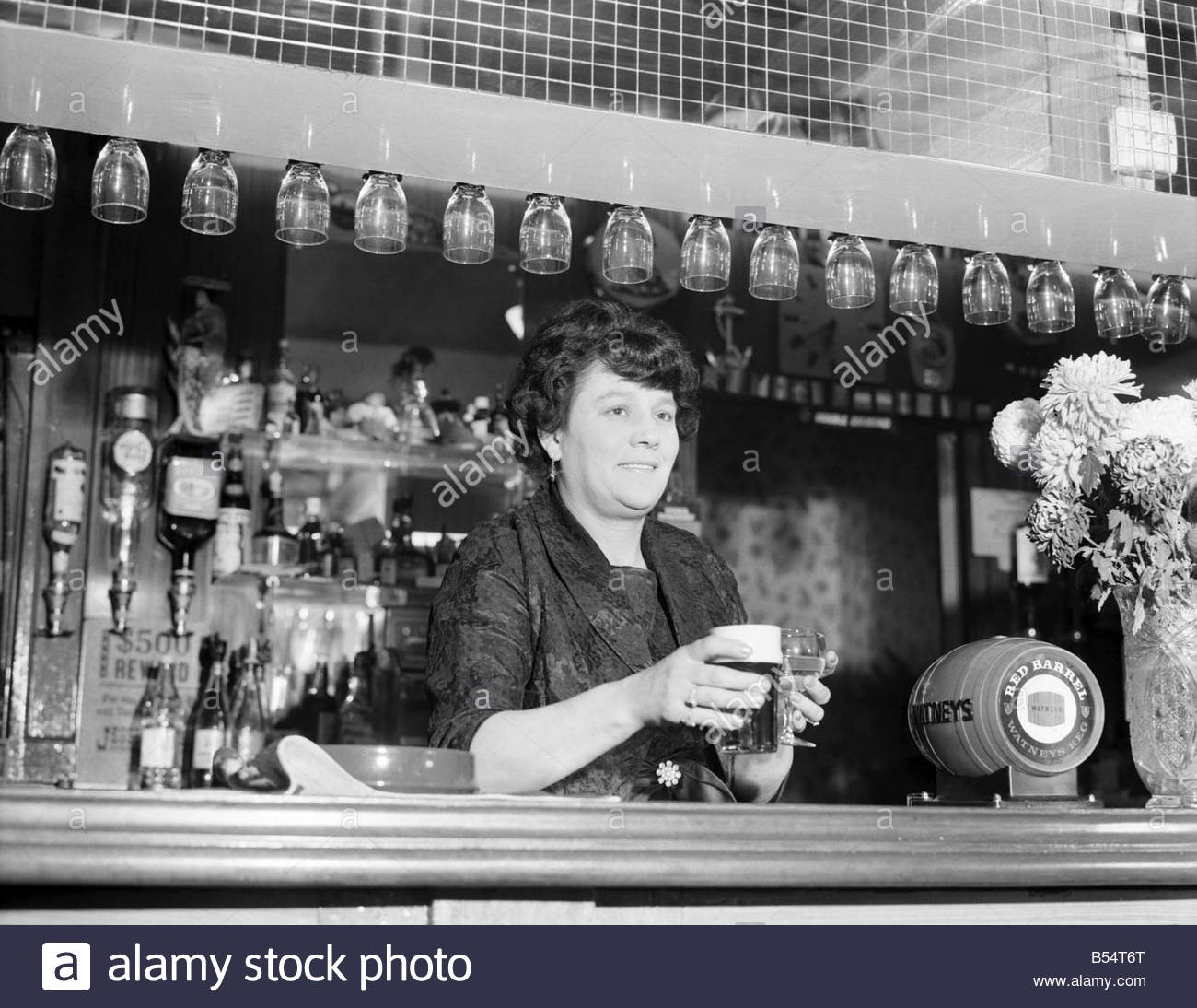 Landlady of the 'China Hall' pub, Bermondsey.jpg