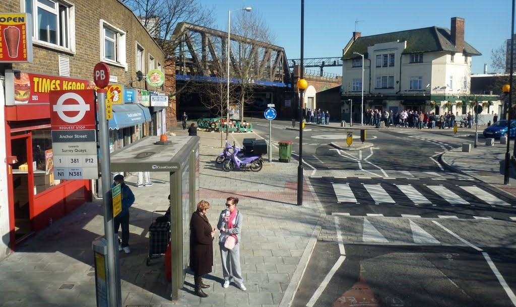 Southwark Park Road the Ancient Foresters 2015.jpg