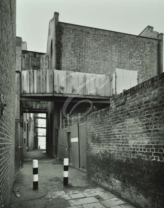Hope Sufference Wharf, 105 Rotherhithe Street, looking west, 1977.jpg