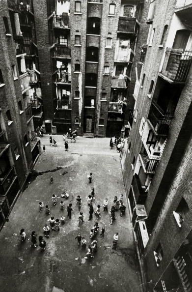 1966 Tenement blocks in Collinson Street off Southwark Bridge Road.jpg