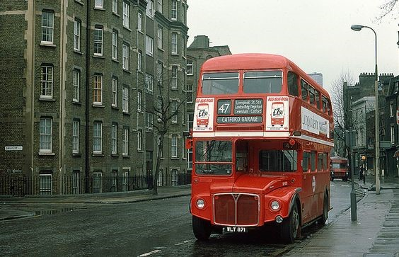 BUS TOOLEY STREET 1976.jpg