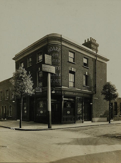 Rose & Lily 155 Drummond Road, Bermondsey, Closed in September 1958.jpg