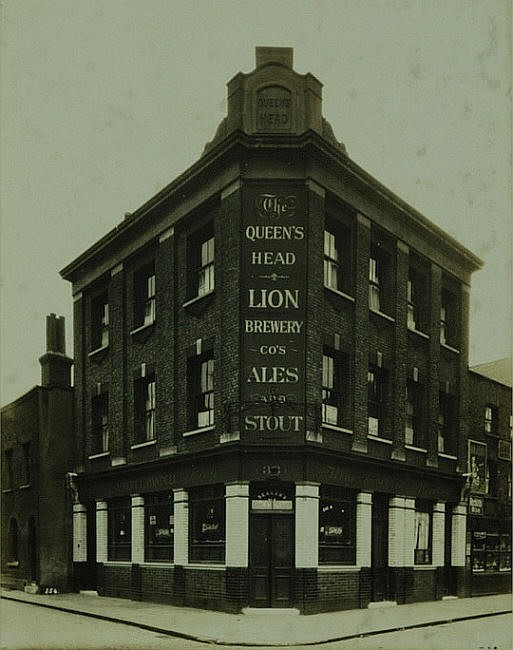 The Queens Head 33 Paradise Street Rotherhithe.jpg