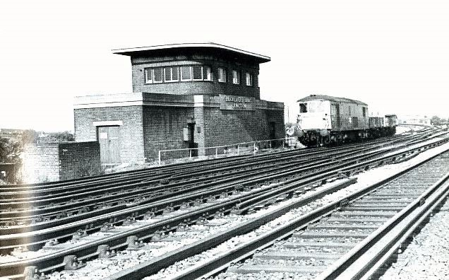 Bricklayers Arms Signal Box.jpg