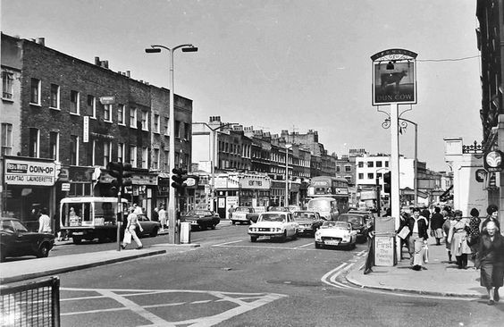 The Old Kent Road by The Dun Cow Pub Bermondsey in 1975, this is how I remember it.On the left, down near the bus is Kinglake Street..jpg