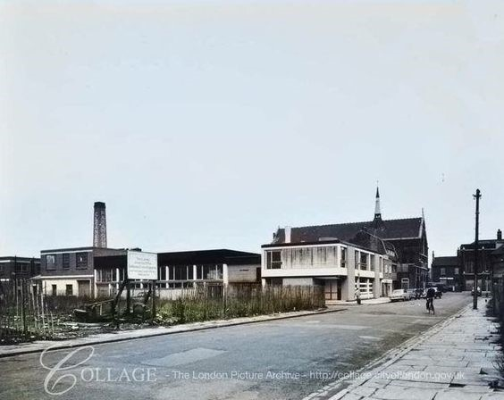 Manor Grove looking towards Ilderton Road and Corpus Christie Church Bermondsey  in 1960.jpg