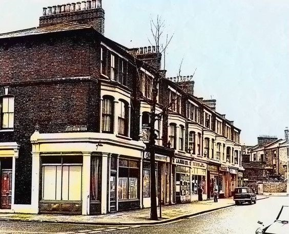 ILDERTON ROAD, BRAMCOTE GROVE HEADING  TOWARDS  ROTHERHITHE NEW ROAD 1960s X.jpg
