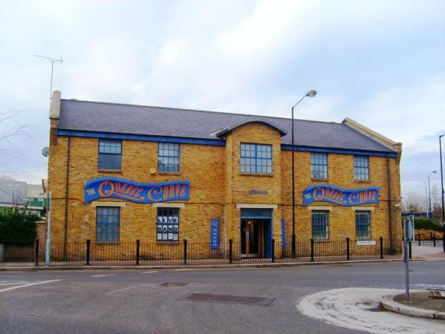 The Quebec Curve Pub was situated at 100 Redriff Road. This pub is now used as a restaurant X.jpg