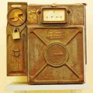 Guinness's Blds Gas Meter, I think this only took Shilling Coins.jpg