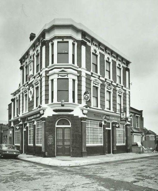 Bramscote Arms Pub Junction of Barkworth Road and Bramscote Road Bermondsey  1980.jpg