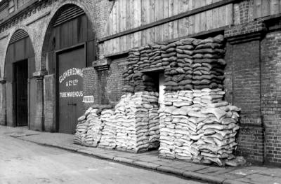 An air raid shelter in a tube warehouse on Stanworth Street, Bermondsey.jpg