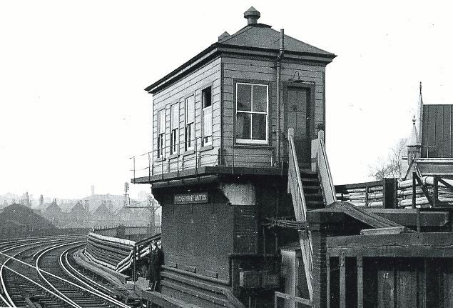 Borough Market Signal Box.jpg