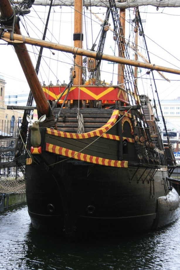 Golden Hinde Museum Cathedral Street Borough..jpg