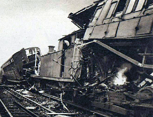 On January 21st 1947 a steam train collided with an electric train in heavy fog on the viaduct above          Blue Anchor Lane. Although the wreckage looked nasty there was luckily just one minor inju.png