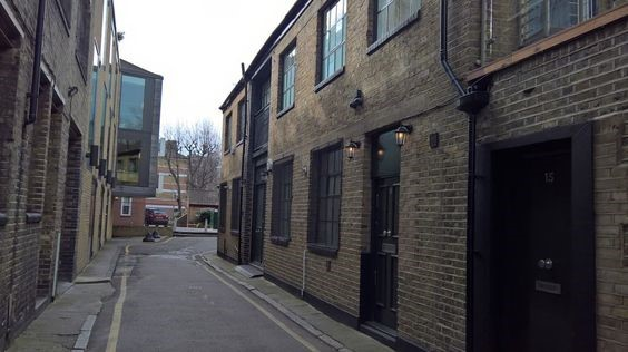 Hardwidge Street, Snowfields Bermondsey in 2017 Tyers Estate far end..jpg