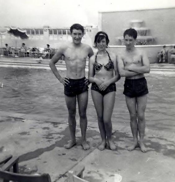 The Open-Air Lido in Southwark Park in Summer 1960 X.jpg