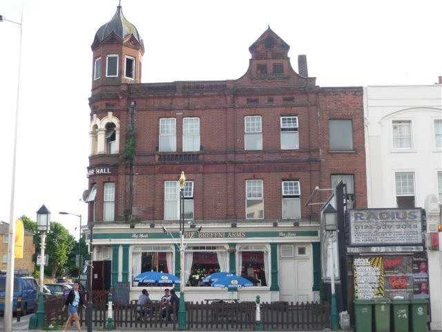 The Breffni Arms,888 Old Kent Rd,now the Windsor..jpg