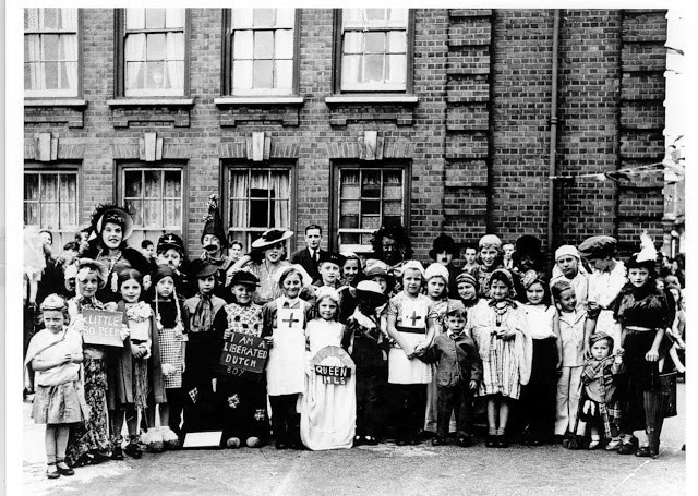 VE day fancy dress party in Sutton Dwellings Plough Way 1945 X.jpg