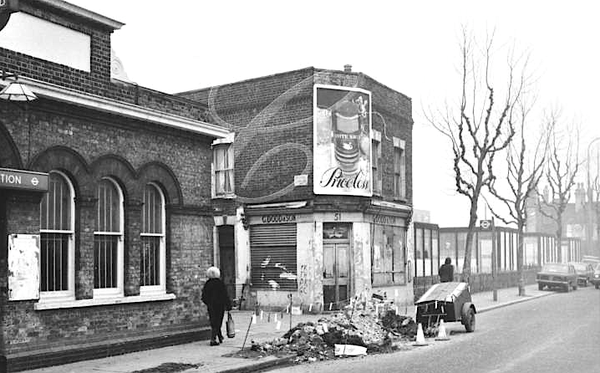 Brunel Road at Rotherhithe Stn looking down towards The Adam & Eve pub to the right - 1976  X.png