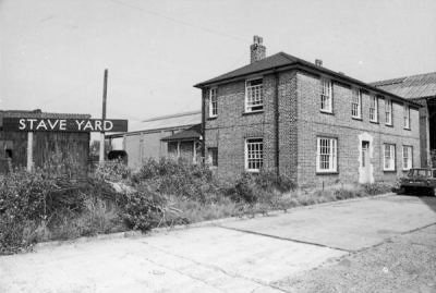 The Customs Office at Stave Yard, Surrey Commercial Docks, in 1970.jpg
