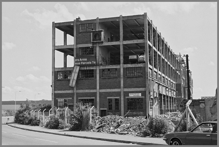 Bricklayers Arms, Pages Walk. 1988.jpg