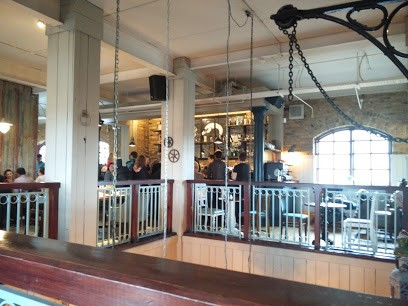 OLD SALT QUAY PUB INSIDE.  X.jpg