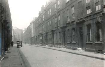 Princes Street, Rotherhithe, 1934. Name changed to Mayflower Street in 1937  X.jpg