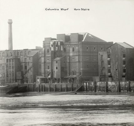 Columbia Wharf & Horn Stairs,Rotherhithe,1937..jpg