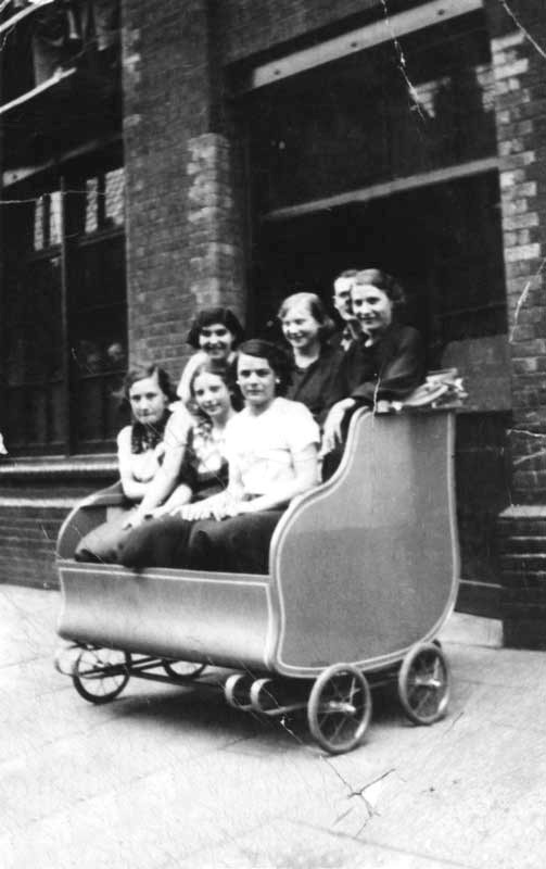 , Simmons Co staff, outside No1 Tanner Street, Bermondsey.jpg