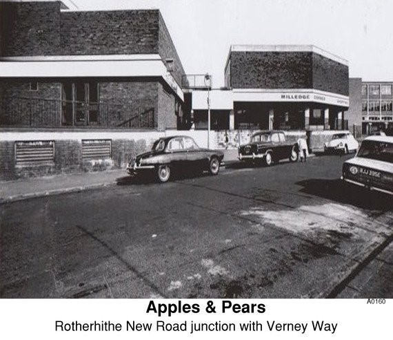 APPLES & PEARS PUB ROTHERHITHE NEW ROAD JUNCTION WITH VERNEY WAY. X.jpg