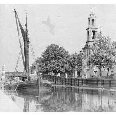 Grand Surrey Canal,1934 shows a large sailing barge,with St Georges Church & Wells Way in the background.  X.jpg