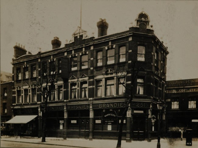 Kings Arms, 251 Tooley Street, Southwark St John Horsleydown SE1.jpg