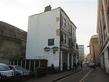 Kings arms, Newconem Street, Borough, 2015.jpg