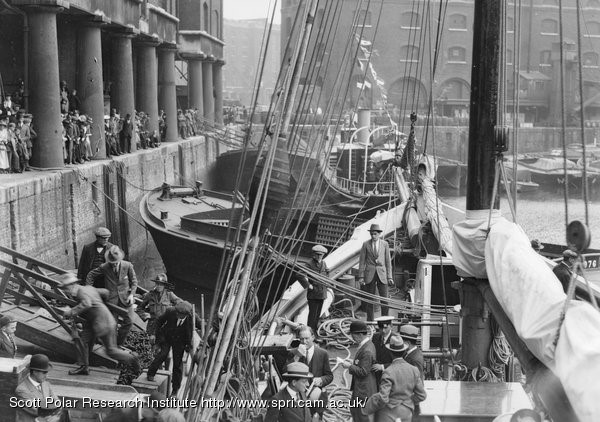 'Quest' in Hay's Wharf, London, Shackleton-Rowett Antarctic Expedition 1921-22.jpg