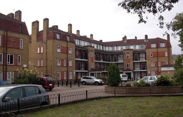 Rotherhithe Street, part of Amos Estate, there are another five buildings that complete the estate 2009    X.jpg