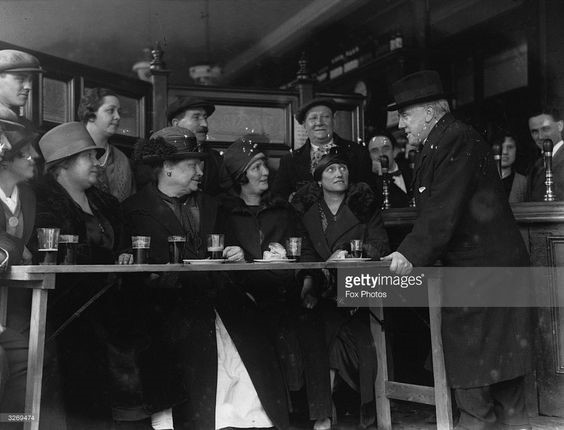 A scene inside the Castle Tavern in the Old Kent Road, London, c.1926. X.jpg