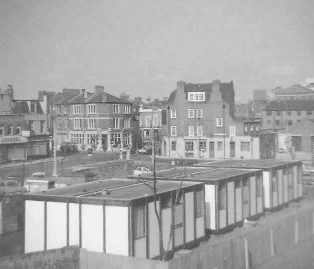 The Mobile Homes in Paradise Street Rotherhithe in the 1960's  X.jpg