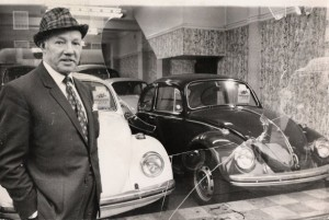 Mr Purser, V W Cars, Old Kent Road..jpg