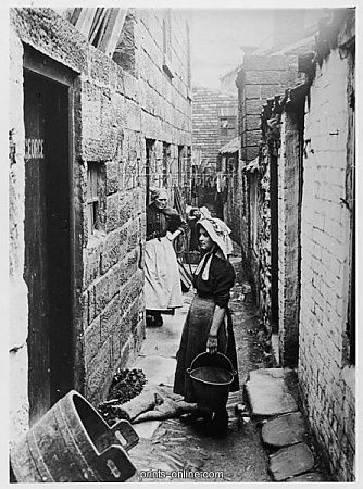 Maypole Alley, Borough High Street.jpg