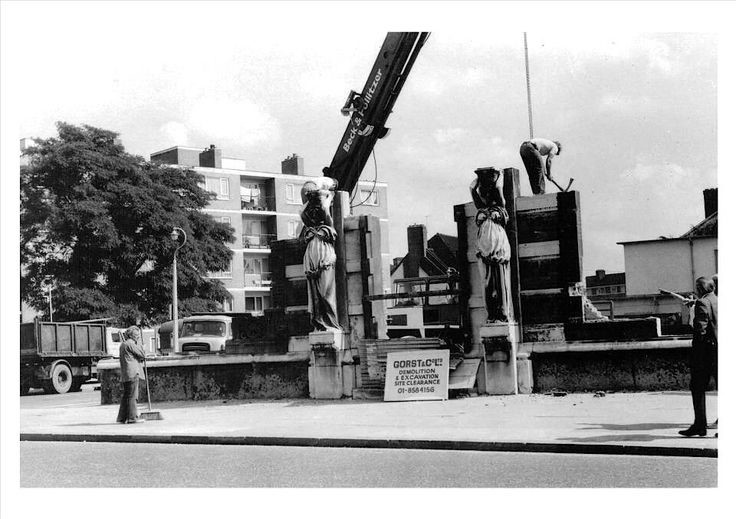 LOWER ROAD,ROTHERHITHE HALL CARYATIDES 1970s X.jpg