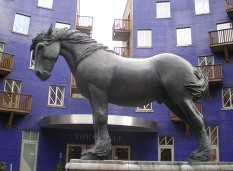 The great Courage dray horses are commemorated by this statue 'Jacob' in Queen Elizabeth Street where the stables had been situated..jpg