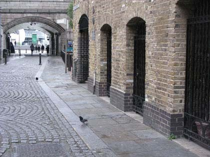 Horsleydown end of Shad Thames, with Tower Bridge in the background 2017.jpg